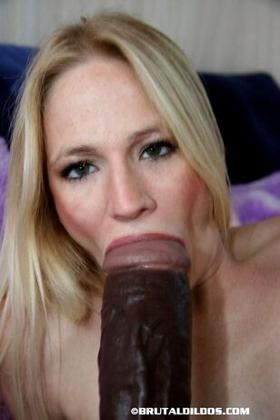 Slender ash-blonde with a super-cute culo pushes a giant..