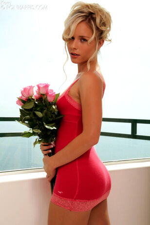 Flower gal Kara Duhe looking fetching and gorgeous in a..